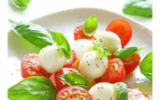 Салат с руколой, и помидорами, и яйцом: кладезь здоровья