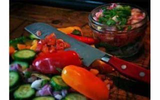 Салат из руколы с помидорами и огурцами: ешьте, люди, огурцы – будете здоровы!